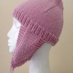 Earflap hat - side