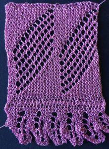 Diamond and ruffled knitted edging