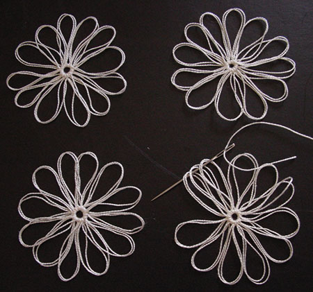 How to thread the first three petals