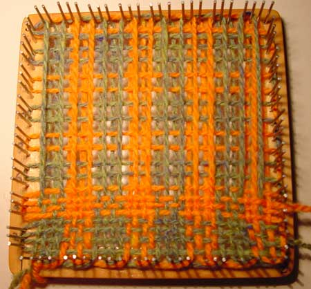 Weaving the check pattern