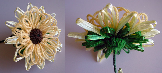 Lifelike loomed flowers