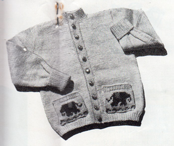 Toddlers cardigan with elephants on the pockets