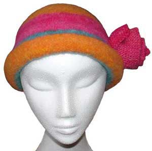 Knit and fulled rolled brim hat