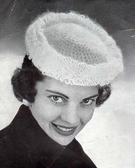 Free Crochet Pattern for a vintage hat with looped fringe
