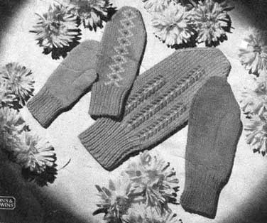 Vintage mittens with ebroidery
