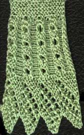 Fluted knit lace with diamond edge