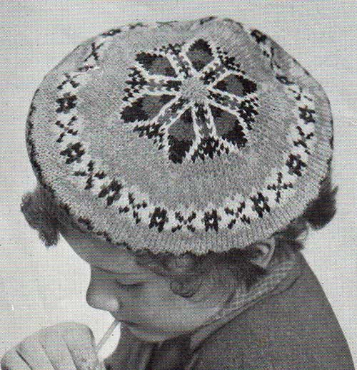 Larch vintage beret in traditional fair-isle knitting. Free pattern.