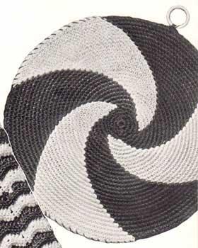 Spiral patterned potholder