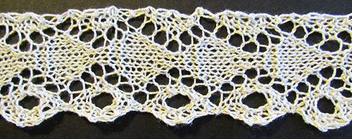 Diamond and circle lace knit edging knit from a Victorian era knitting pattern