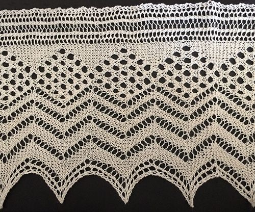 Diamond and zig-zag knitted lace edging