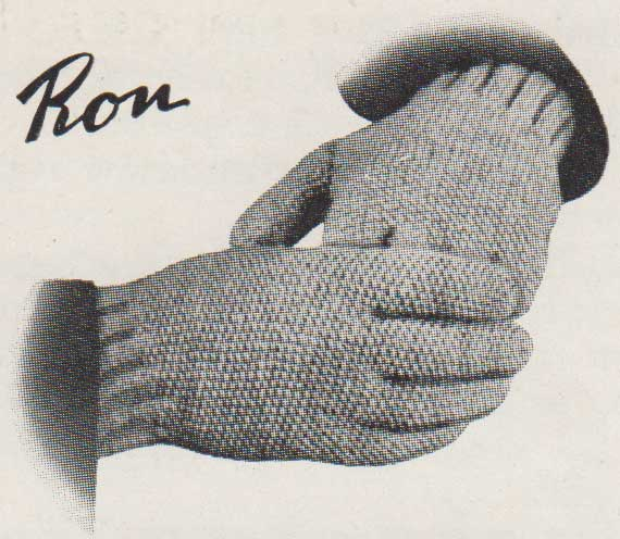 Ron. Textured gloves fo rmen knit flat on two needles