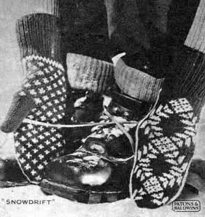 Vintage mittens with stranded colorwork