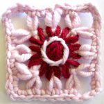 Loomed Flower and Grid Combination