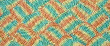 Entrelac knitting wiht variegated yarn