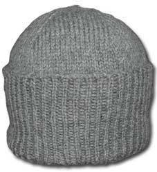 Classic knitted watch cap. Free knitting pattern