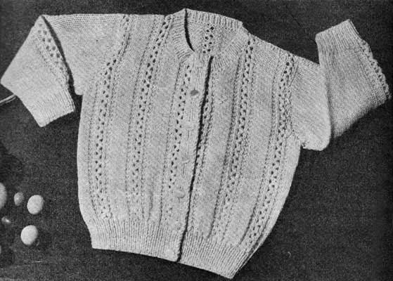 Long sleeves baby cardigna with crew neck and vertical lace stripes