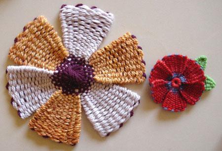 Woven yarn flowers