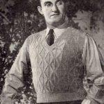 Zig-Zag Ribbed Sleeveless Pullover