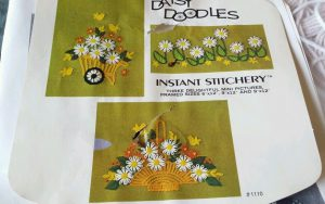 Daisy Doodles Studio Twelve flower loom kit